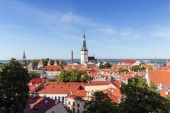 Vue au-dessus de vieille ville à Tallinn Photos libres de droits