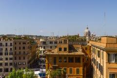 Vue au-dessus des bâtiments de Rome Photographie stock