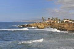 Vue au-dessus des falaises de coucher du soleil à San Diego Images libres de droits