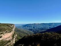 Vue au-dessus des montagnes bleues en Nouvelle-Galles du Sud dans l'Australie photo stock