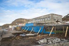Vue au-dessus des rues de Barentsburg, le Svalbard Images libres de droits