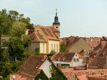 Vue au-dessus des toits de la vieille ville Graz au Photographie stock libre de droits