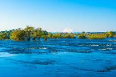 Vue au-dessus du fleuve de Zambezi Images stock