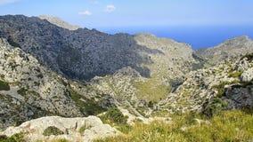 Vue au-dessus du secteur de hausse merveilleux dans les montagnes de Tramuntana photos stock