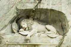 Vue au monument de mort de lion en luzerne, Suisse images stock