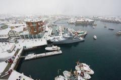 Vue au port de Svolvaer en chutes de neige dans Svolvaer, Norvège Photo stock