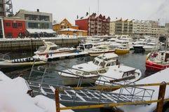 Vue au port de Svolvaer, Norvège Image stock