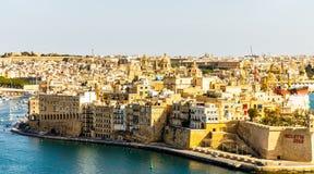 Vue au port grand des jardins sup?rieurs de Barrakka photographie stock libre de droits