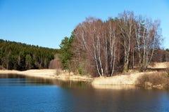Vue automnale d'étang, de montagne de bohémien et de Moravian Images stock
