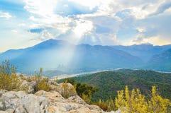 Vue aux montagnes de la colline dans Kemer Photo libre de droits