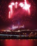 Vue avec des feux d'artifice sur le château en 2013 Photographie stock libre de droits