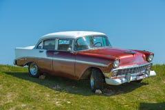 Vue avec du charme de rétro vintage, vieille voiture classique Image stock