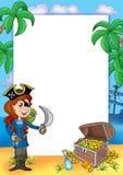 Vue avec la fille et le trésor 2 de pirate Images stock