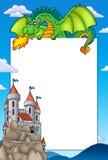 Vue avec le dragon et le château Photographie stock libre de droits