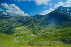 Vue Bird's-eye sur le Grossglockner-omnibus Photo libre de droits