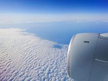 Vue blanche d'horizon de nuage d'avion photo stock
