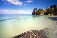 Vue bleuâtre aux extrémités du Bornéo Images stock