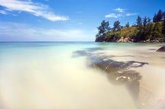 Vue bleuâtre aux extrémités du Bornéo Images libres de droits