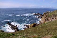 Vue côtière des falaises et de l'Océan Atlantique Image libre de droits