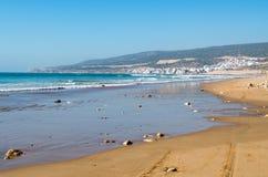 Vue chez Taghazout de la plage Image stock