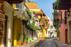 Vue coloniale de rue d'architecture Images stock