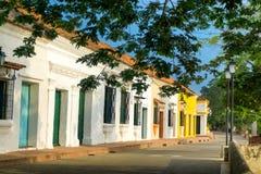 Vue coloniale de rue d'architecture Images libres de droits