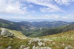 Vue colorée sur les montagnes bas Tatras de la Slovaquie d'été Photos libres de droits