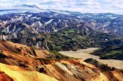 Vue colorée d'horizontal de montagnes de Landmannalaugar Image stock