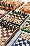 Échiquiers à vendre au marché aux puces de dimanche de puce de Mauerpark Photo libre de droits