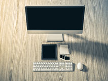Vue courbe d'une table d'arrangement de lieu de travail d'affaires Image libre de droits