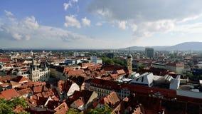 Vue courbe de centre de la ville de Graz clips vidéos
