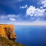 Vue courbe de San Antonio Cape de la mer Méditerranée Photos libres de droits