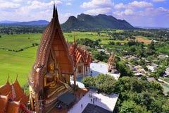 Vue courbe du haut de la pagoda Photos stock