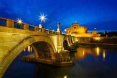 Vue crépusculaire de ` Angelo Castle de Castel Sant d'ange saint, Mauso Images libres de droits