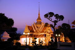 Vue crépusculaire de Wat Arun à Bangkok Image stock