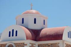 Vue cultivée de petite, orthodoxe église Photos libres de droits