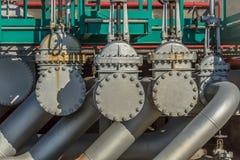 Vue détaillée des industries de valves en métal images stock