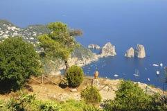 Vue d'été d'île de Capri photographie stock libre de droits