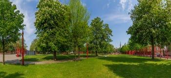 Vue d'été de parc Jean-Baptiste Lebas dans des Frances de Lille illustration de vecteur