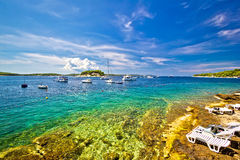 Vue d'été de plage d'île de Hvar Photos libres de droits