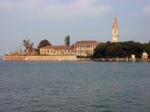 Vue d'île de Povella, lagune vénitienne, Italie photographie stock