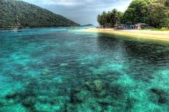 Vue d'île l'eau du fond Photos stock