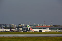 Vue d'aéroport d'Okecie à Varsovie Photographie stock libre de droits