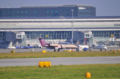 Vue d'aéroport d'Okecie à Varsovie Photographie stock