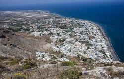 Vue d'aéroport de Kamari et de Santorini Photo stock