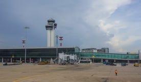 Vue d'aéroport de Tan Son Nhat dans Saigon, Vietnam Image libre de droits