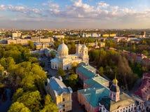 Vue d'Aeral ? la trinit? sainte Alexander Nevsky Lavra Un complexe architectural avec un monast?re orthodoxe, une cath?drale n?oc photos stock