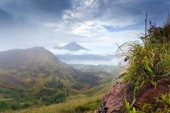 Vue d'Agung de volcan de Batur photographie stock libre de droits