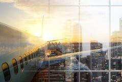 Vue d'aicraft de coucher du soleil Photographie stock
