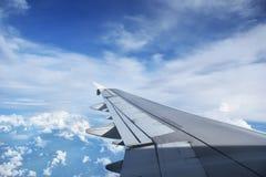 Vue d'aile d'avion à réaction Photographie stock